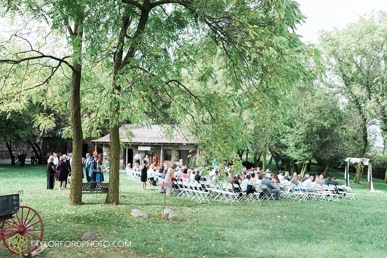 fort_wayne_indiana_van_wert_columbus_ohio_nashville_tennessee_photographer_taylor_ford_shoppes_at_old_mill_wedding_0726.jpg