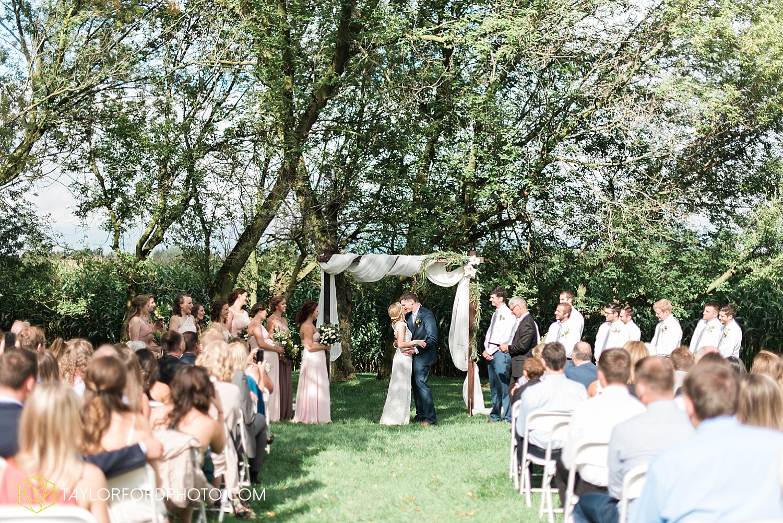 fort_wayne_indiana_van_wert_columbus_ohio_nashville_tennessee_photographer_taylor_ford_shoppes_at_old_mill_wedding_0732.jpg