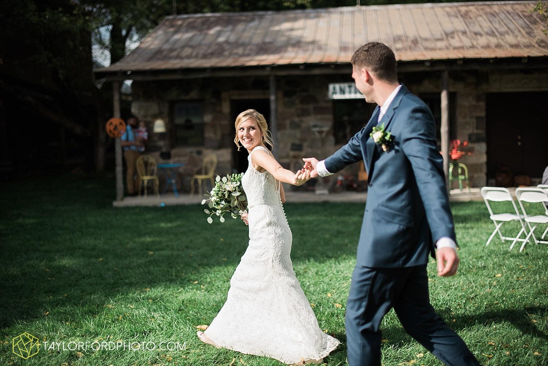 fort_wayne_indiana_van_wert_columbus_ohio_nashville_tennessee_photographer_taylor_ford_shoppes_at_old_mill_wedding_0734.jpg