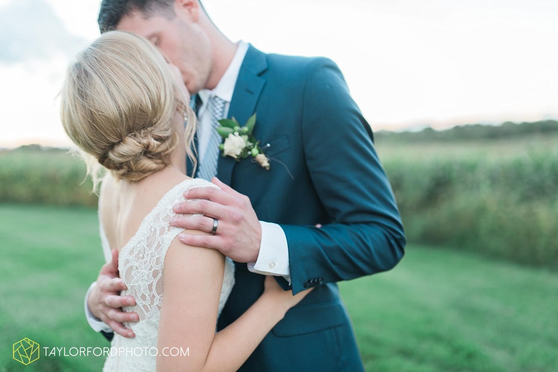 fort_wayne_indiana_van_wert_columbus_ohio_nashville_tennessee_photographer_taylor_ford_shoppes_at_old_mill_wedding_0740.jpg
