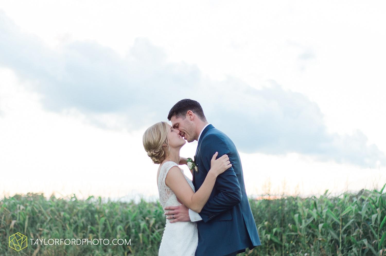 fort_wayne_indiana_van_wert_columbus_ohio_nashville_tennessee_photographer_taylor_ford_shoppes_at_old_mill_wedding_0739.jpg