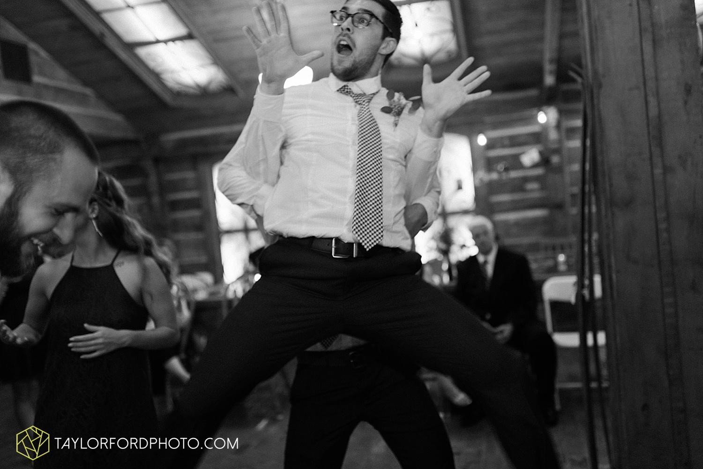 fort_wayne_indiana_van_wert_columbus_ohio_nashville_tennessee_photographer_taylor_ford_shoppes_at_old_mill_wedding_0744.jpg