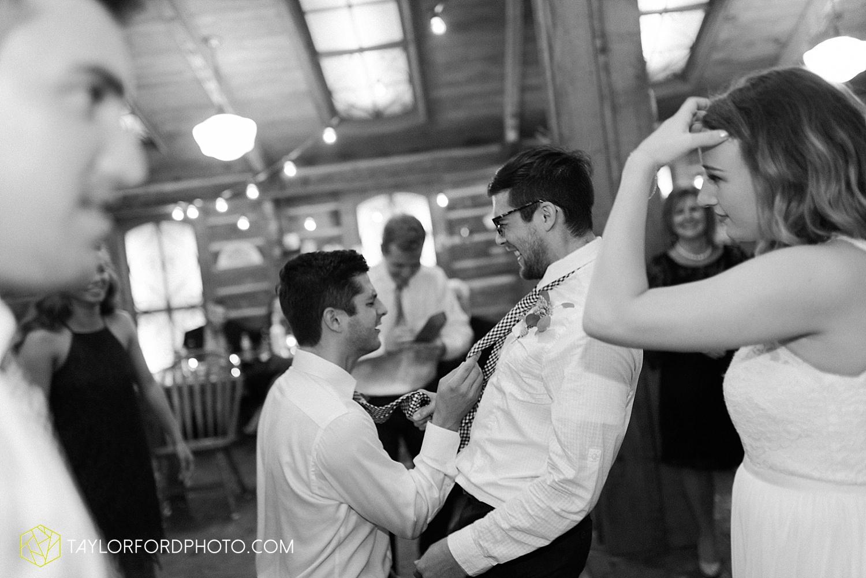 fort_wayne_indiana_van_wert_columbus_ohio_nashville_tennessee_photographer_taylor_ford_shoppes_at_old_mill_wedding_0745.jpg