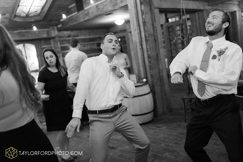 fort_wayne_indiana_van_wert_columbus_ohio_nashville_tennessee_photographer_taylor_ford_shoppes_at_old_mill_wedding_0746.jpg