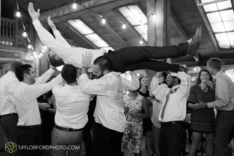 fort_wayne_indiana_van_wert_columbus_ohio_nashville_tennessee_photographer_taylor_ford_shoppes_at_old_mill_wedding_0748.jpg