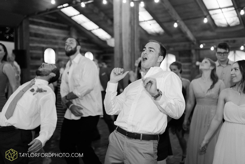 fort_wayne_indiana_van_wert_columbus_ohio_nashville_tennessee_photographer_taylor_ford_shoppes_at_old_mill_wedding_0747.jpg