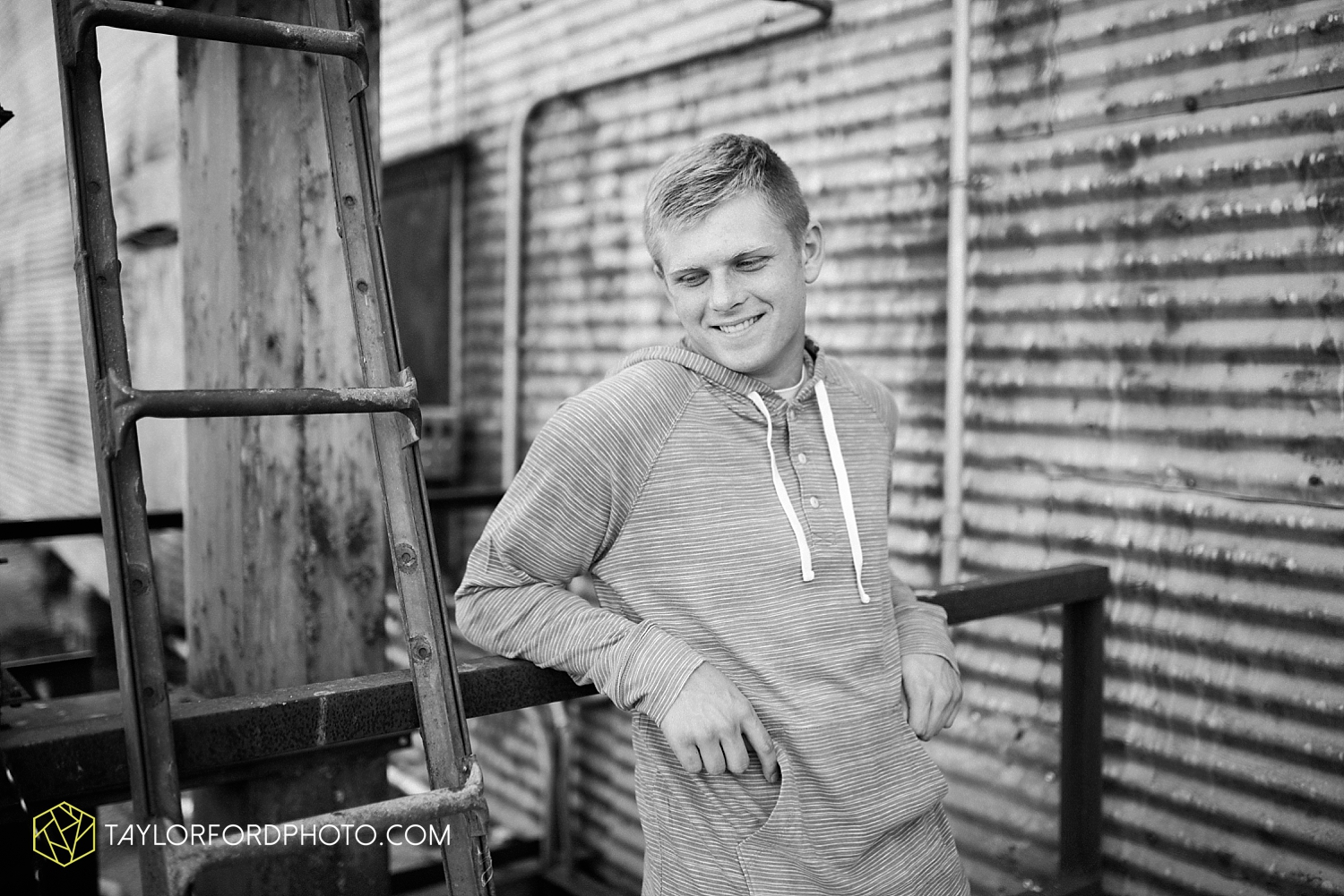van_wert_ohio_senior_photographer_taylor_ford_crestview_knights_fort_wayne_indiana_2747.jpg