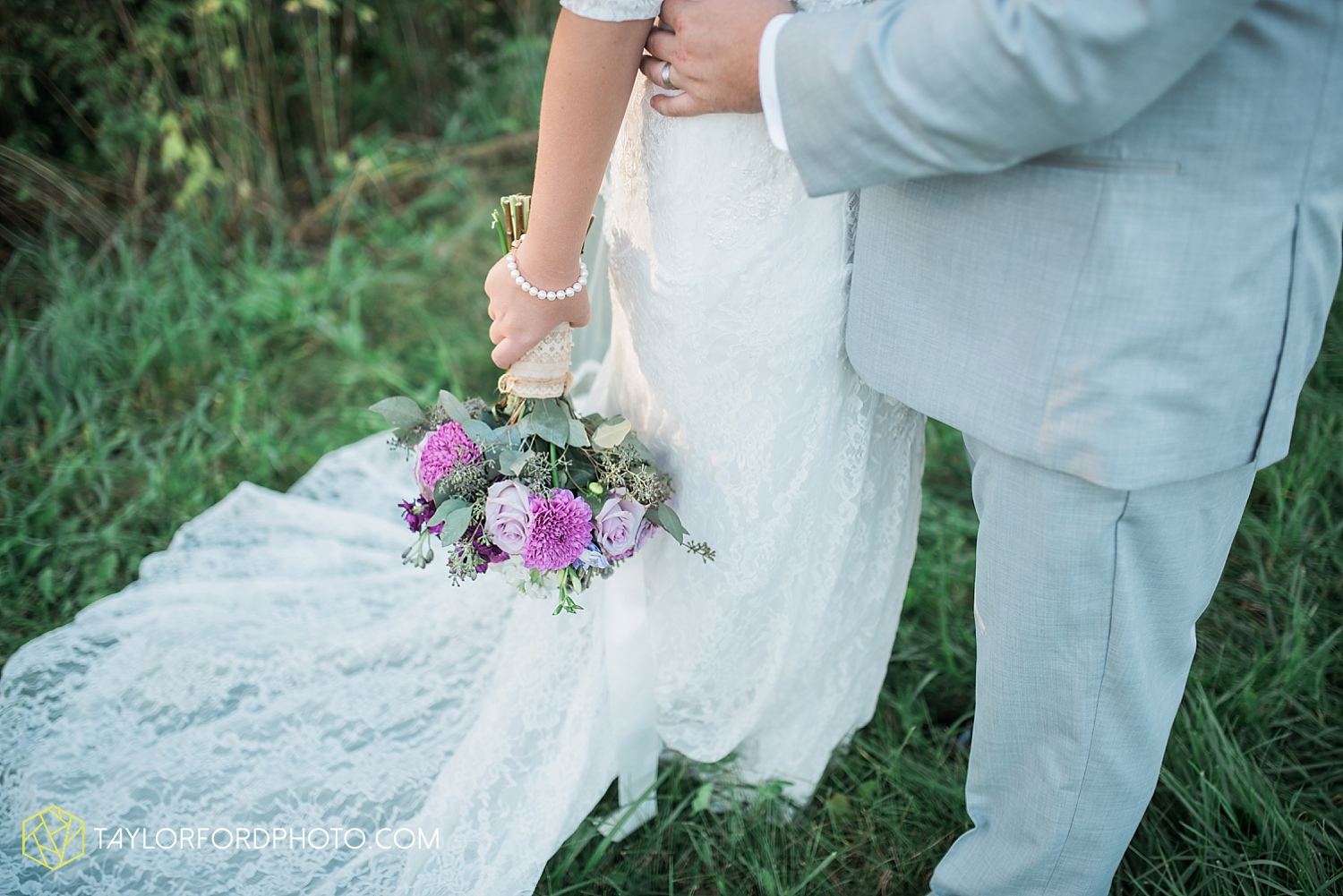 van_wert_ohio_fort_wayne_indiana_wedding_photographer_taylor_ford_cerutis_catering_2831.jpg