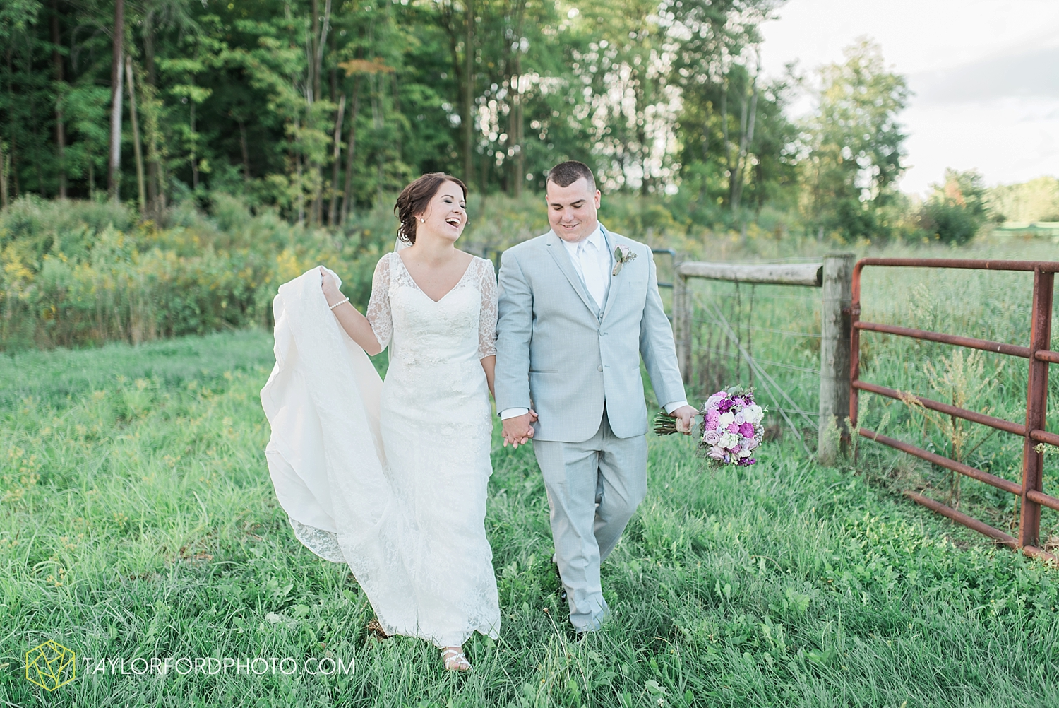 van_wert_ohio_fort_wayne_indiana_wedding_photographer_taylor_ford_cerutis_catering_2835.jpg