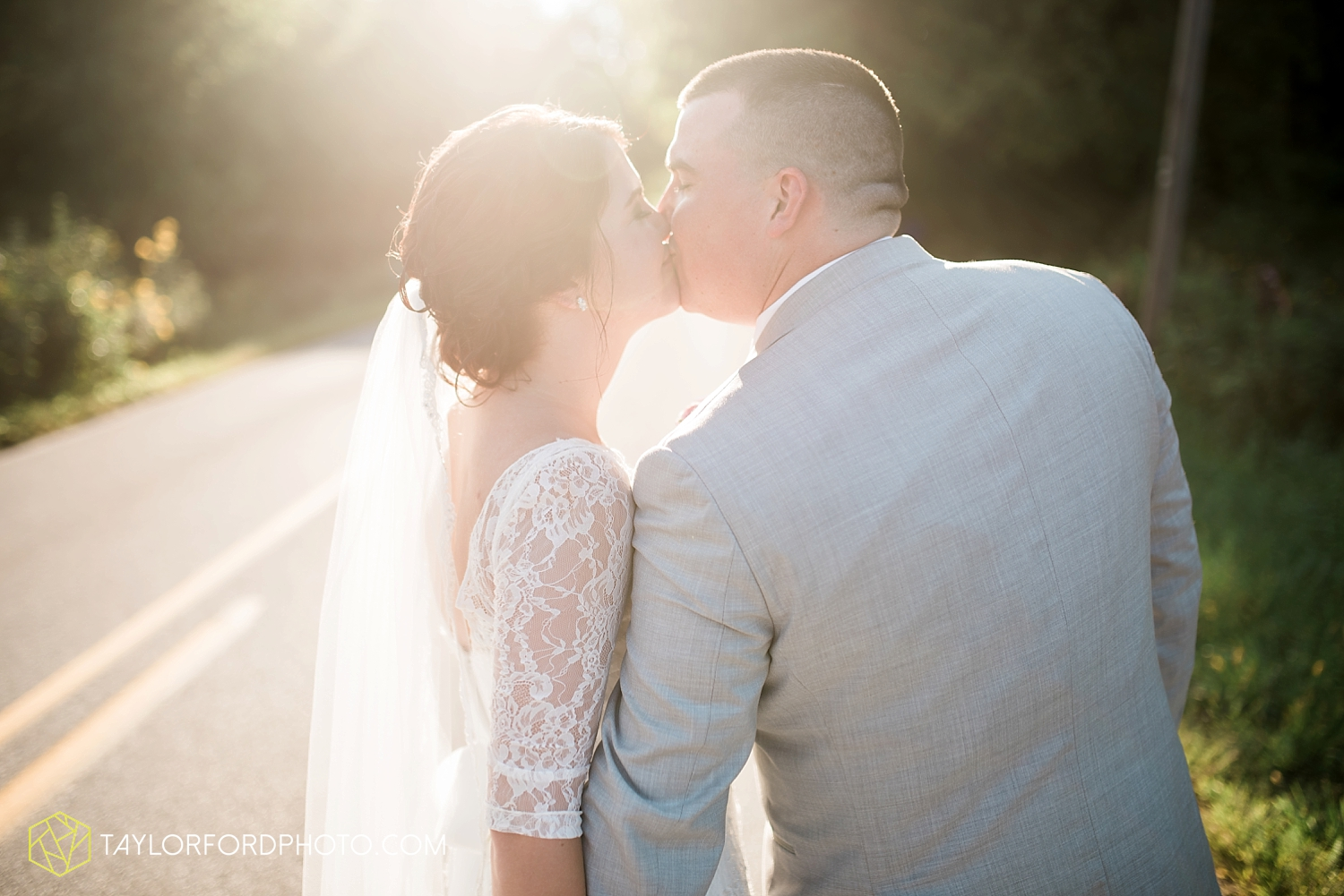 van_wert_ohio_fort_wayne_indiana_wedding_photographer_taylor_ford_cerutis_catering_2841.jpg