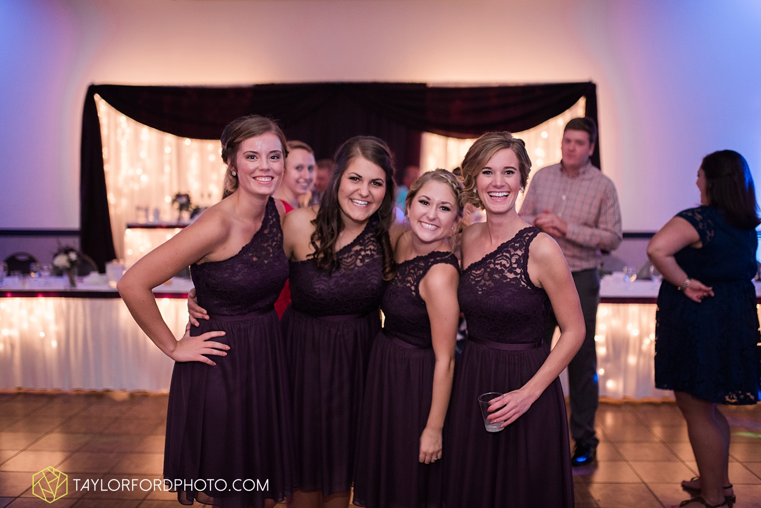 van_wert_ohio_fort_wayne_indiana_wedding_photographer_taylor_ford_cerutis_catering_2849.jpg