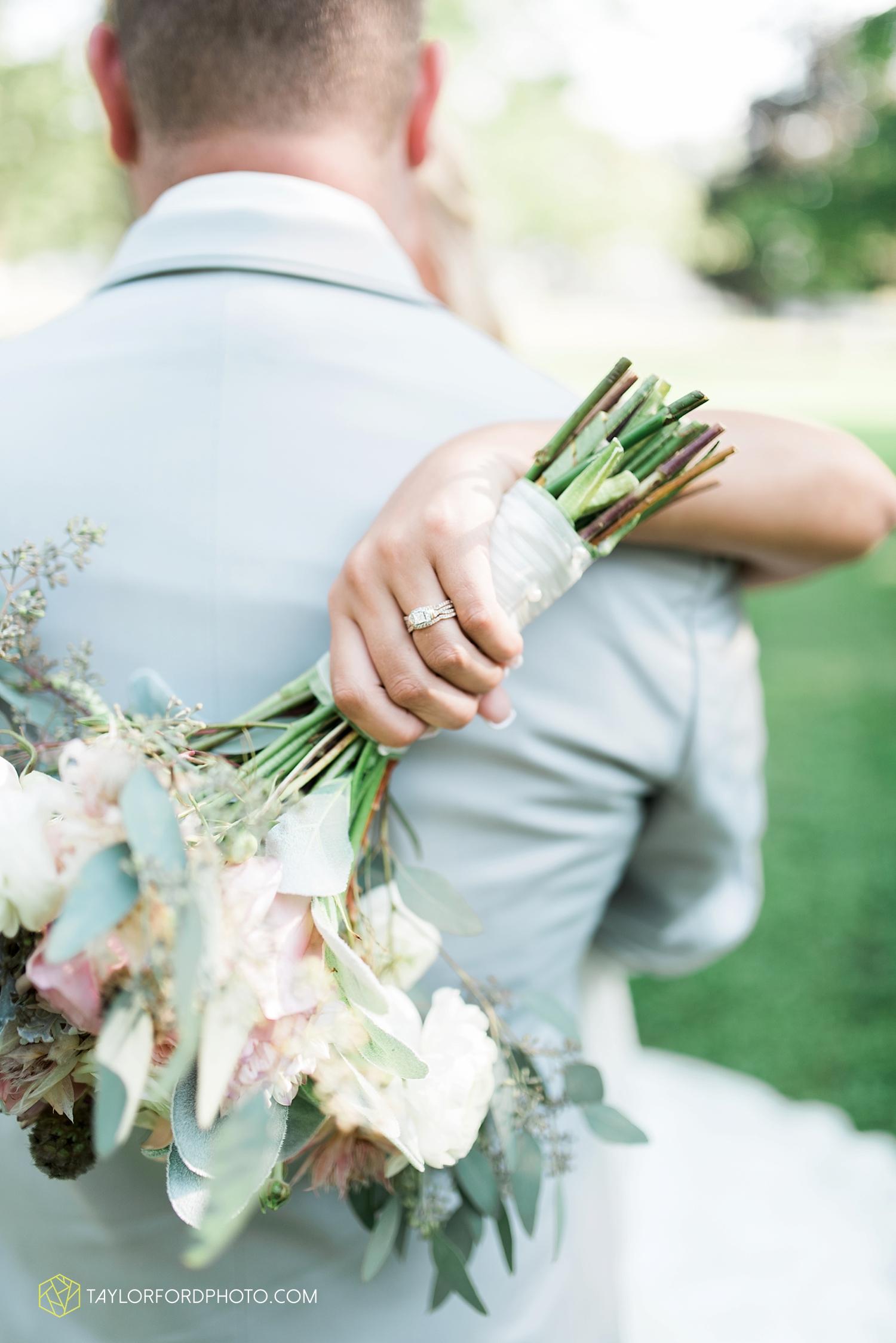 van_wert_ohio_fort_wayne_warsaw_indiana_wedding_photographer_taylor_ford_silver_lake_2897.jpg