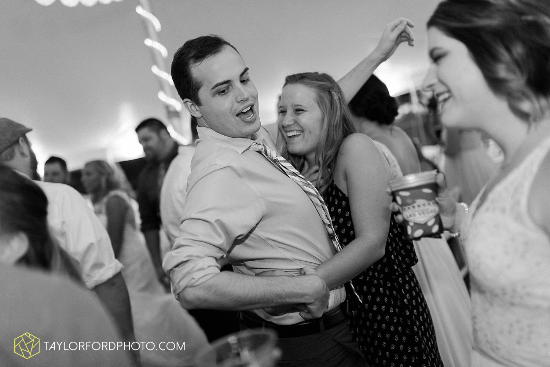 van_wert_ohio_fort_wayne_warsaw_indiana_wedding_photographer_taylor_ford_silver_lake_2949.jpg