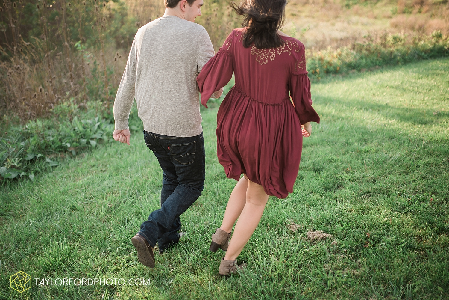 van_wert_ohio_wedding_photographer_taylor_ford_cincinatti_engagement_2970.jpg