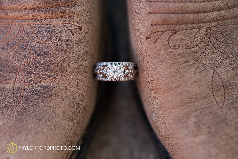 van_wert_ohio_dairy_barn_fairgrounds_fort_wayne_indiana_wedding_photographer_taylor_ford_3236.jpg
