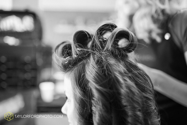 van_wert_ohio_dairy_barn_fairgrounds_fort_wayne_indiana_wedding_photographer_taylor_ford_3237.jpg
