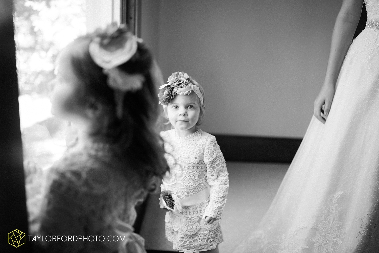 van_wert_ohio_dairy_barn_fairgrounds_fort_wayne_indiana_wedding_photographer_taylor_ford_3247.jpg