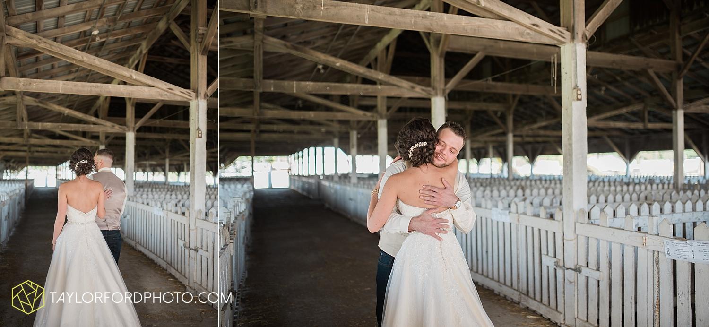 van_wert_ohio_dairy_barn_fairgrounds_fort_wayne_indiana_wedding_photographer_taylor_ford_3256.jpg