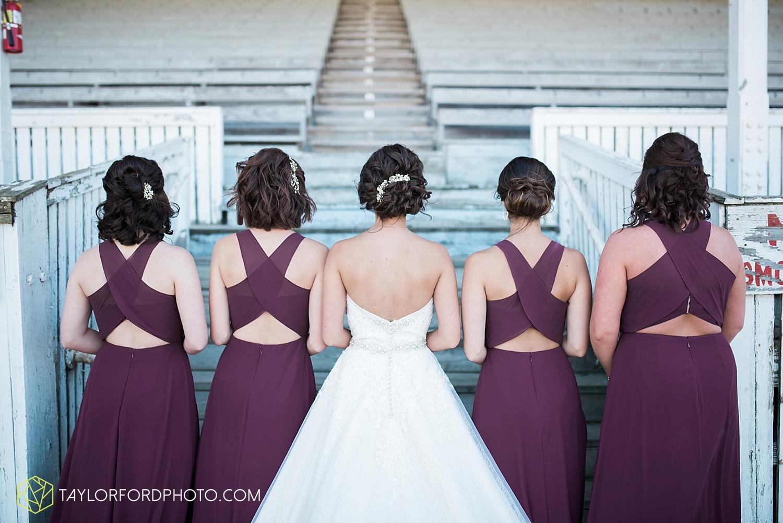 van_wert_ohio_dairy_barn_fairgrounds_fort_wayne_indiana_wedding_photographer_taylor_ford_3263.jpg