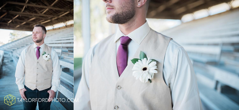 van_wert_ohio_dairy_barn_fairgrounds_fort_wayne_indiana_wedding_photographer_taylor_ford_3265.jpg