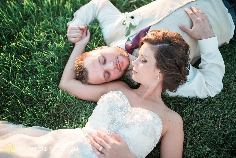 van_wert_ohio_dairy_barn_fairgrounds_fort_wayne_indiana_wedding_photographer_taylor_ford_3330.jpg