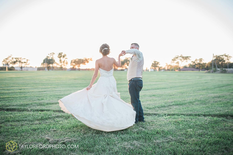 van_wert_ohio_dairy_barn_fairgrounds_fort_wayne_indiana_wedding_photographer_taylor_ford_3334.jpg