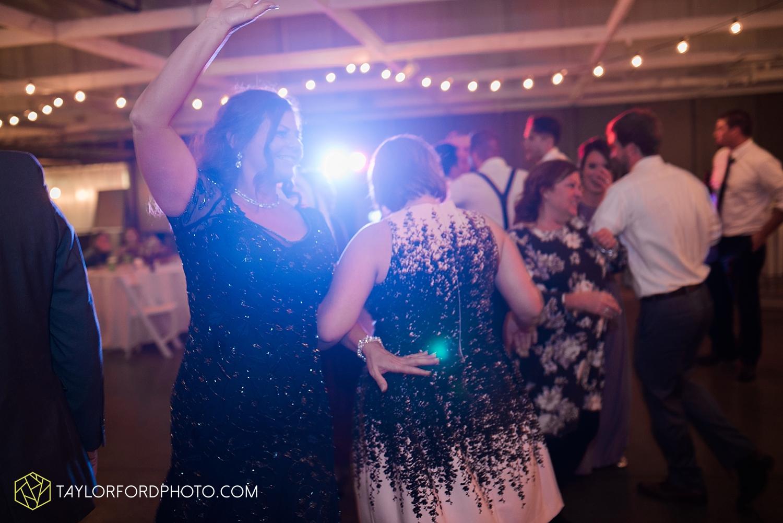 fort_wayne_indiana_wedding_photographer_van_wert_ohio_kevin_and_jayde_dupont_downs_taylor_ford_3719.jpg