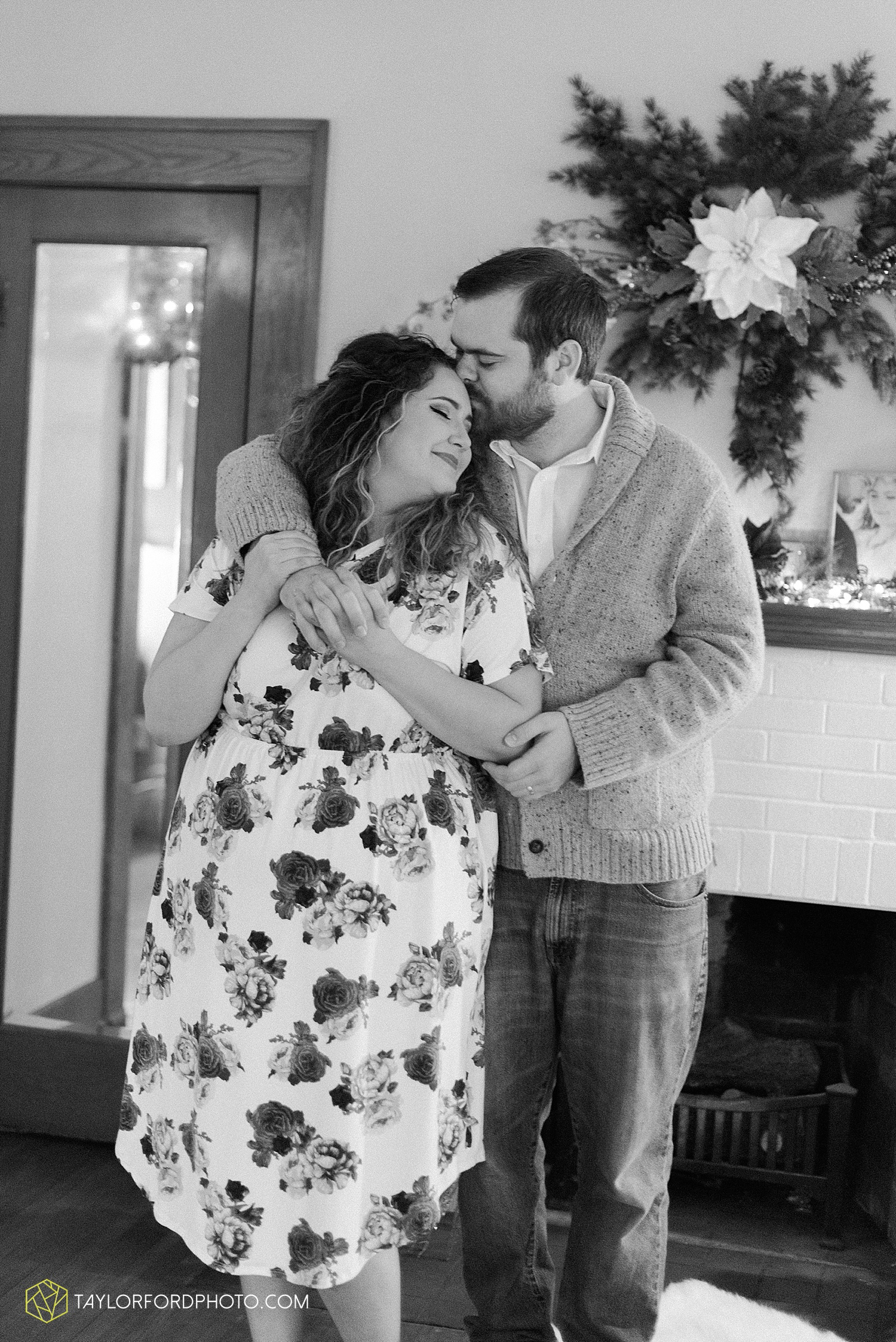 van_wert_ohio_couples_photographer_first_christmas_quincy_and_weston_taylor_ford_0952.jpg