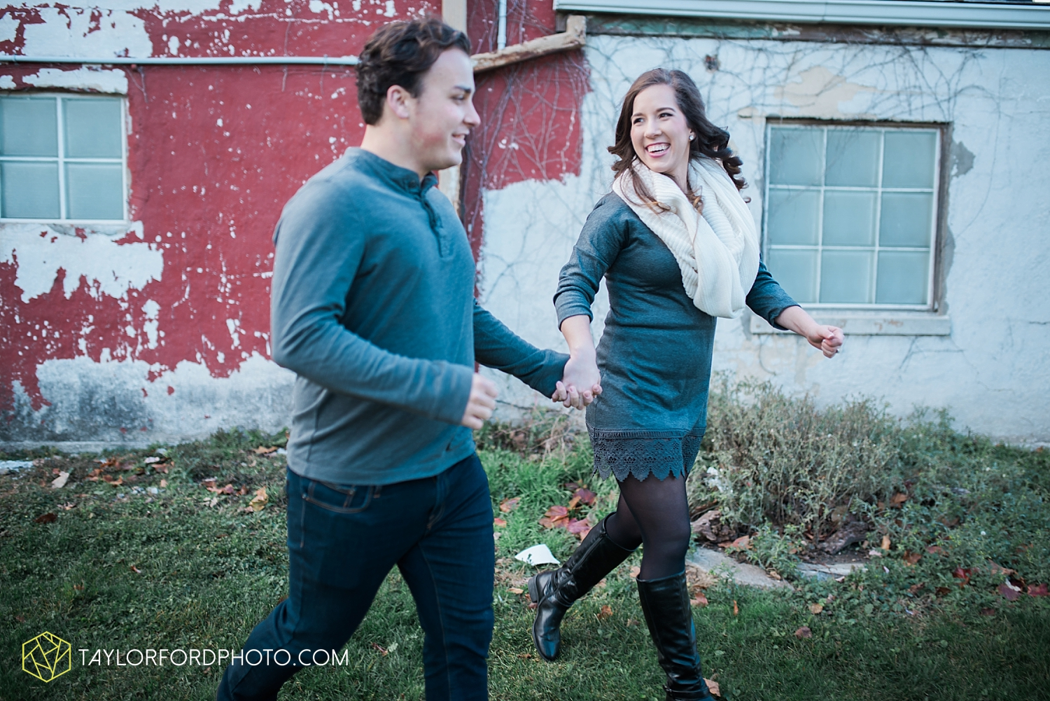 fort_wayne_photographer_lindsay_clint_taylor_ford_engagement_3951.jpg