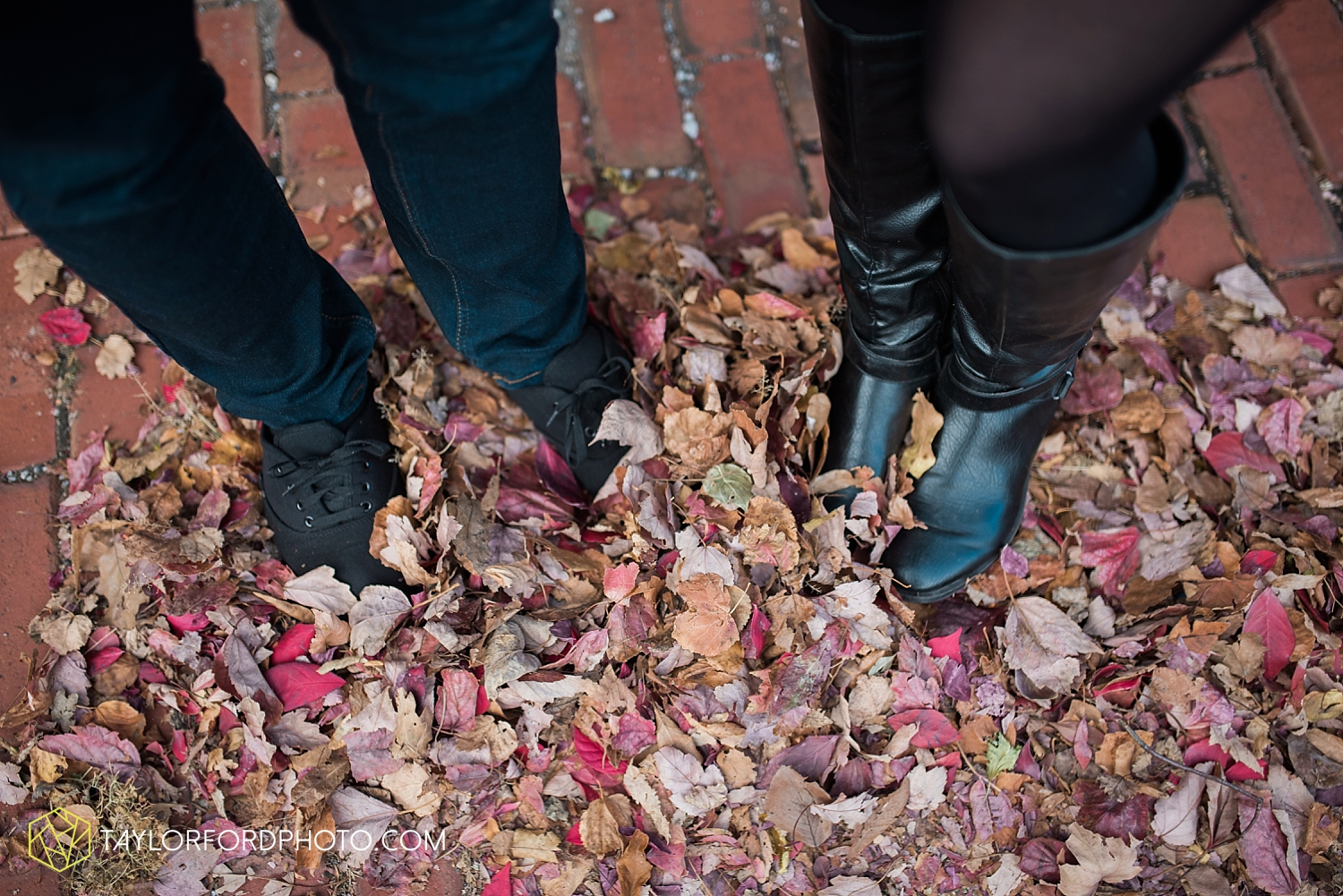 fort_wayne_photographer_lindsay_clint_taylor_ford_engagement_3956.jpg