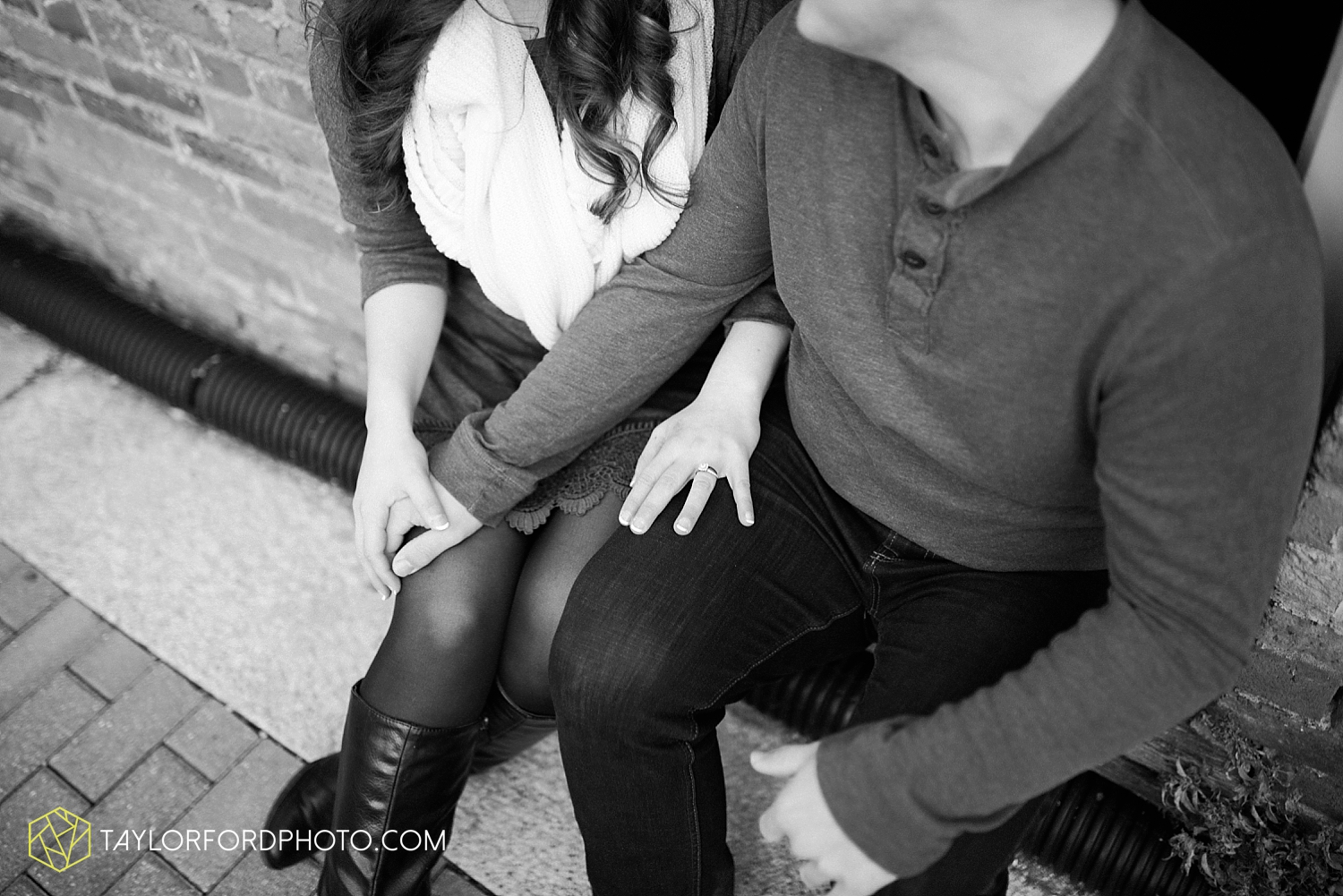 fort_wayne_photographer_lindsay_clint_taylor_ford_engagement_3958.jpg