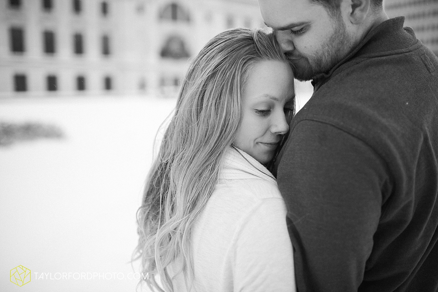 fort_wayne_indiana_engagement_photographer_taylor_ford_downtown_1051.jpg