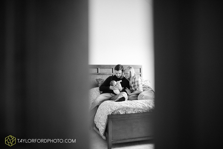 fort_wayne_indiana_lifestyle_newborn_family_photographer_taylor_ford_1128.jpg