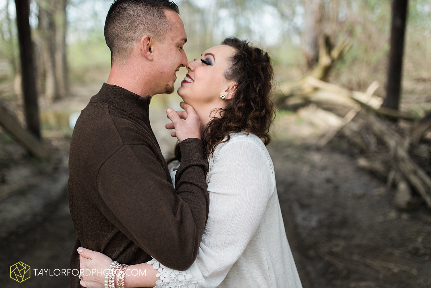 fort-wayne-indiana-engagement-wedding-photographer-taylor-ford-photography_1530.jpg