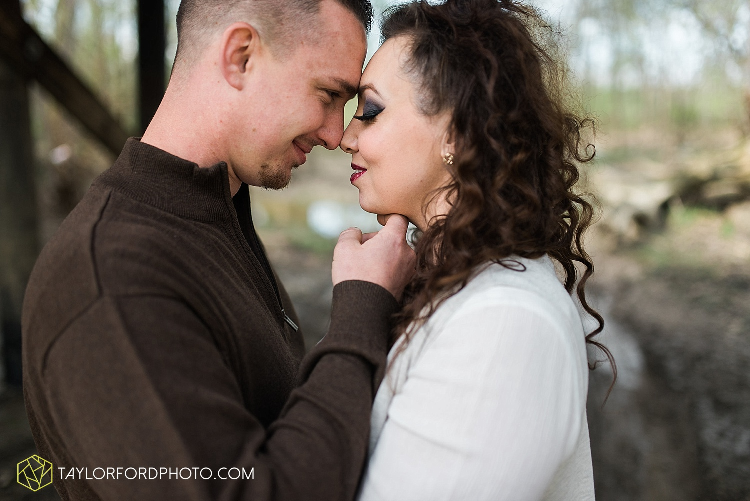 fort-wayne-indiana-engagement-wedding-photographer-taylor-ford-photography_1532.jpg
