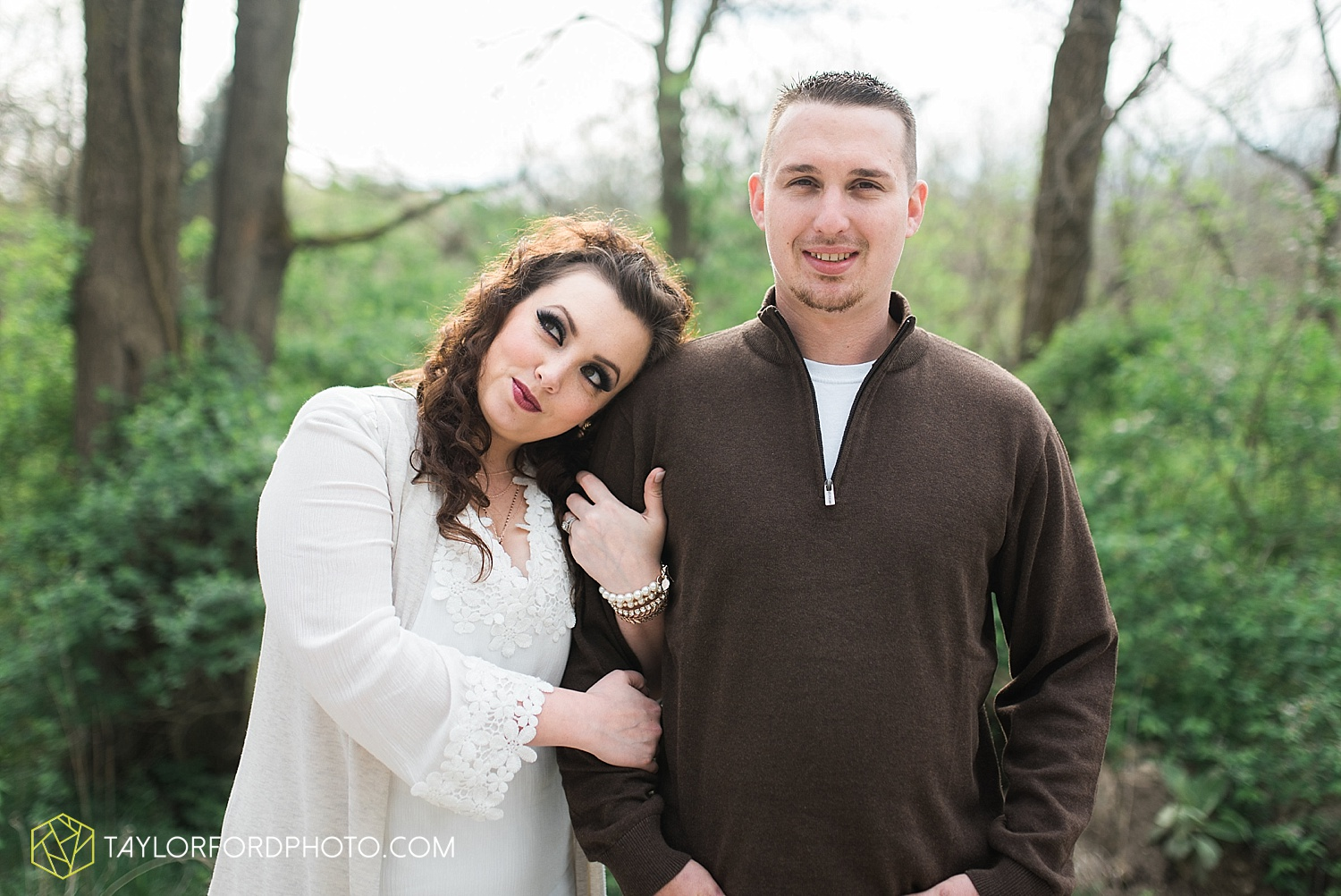 fort-wayne-indiana-engagement-wedding-photographer-taylor-ford-photography_1538.jpg