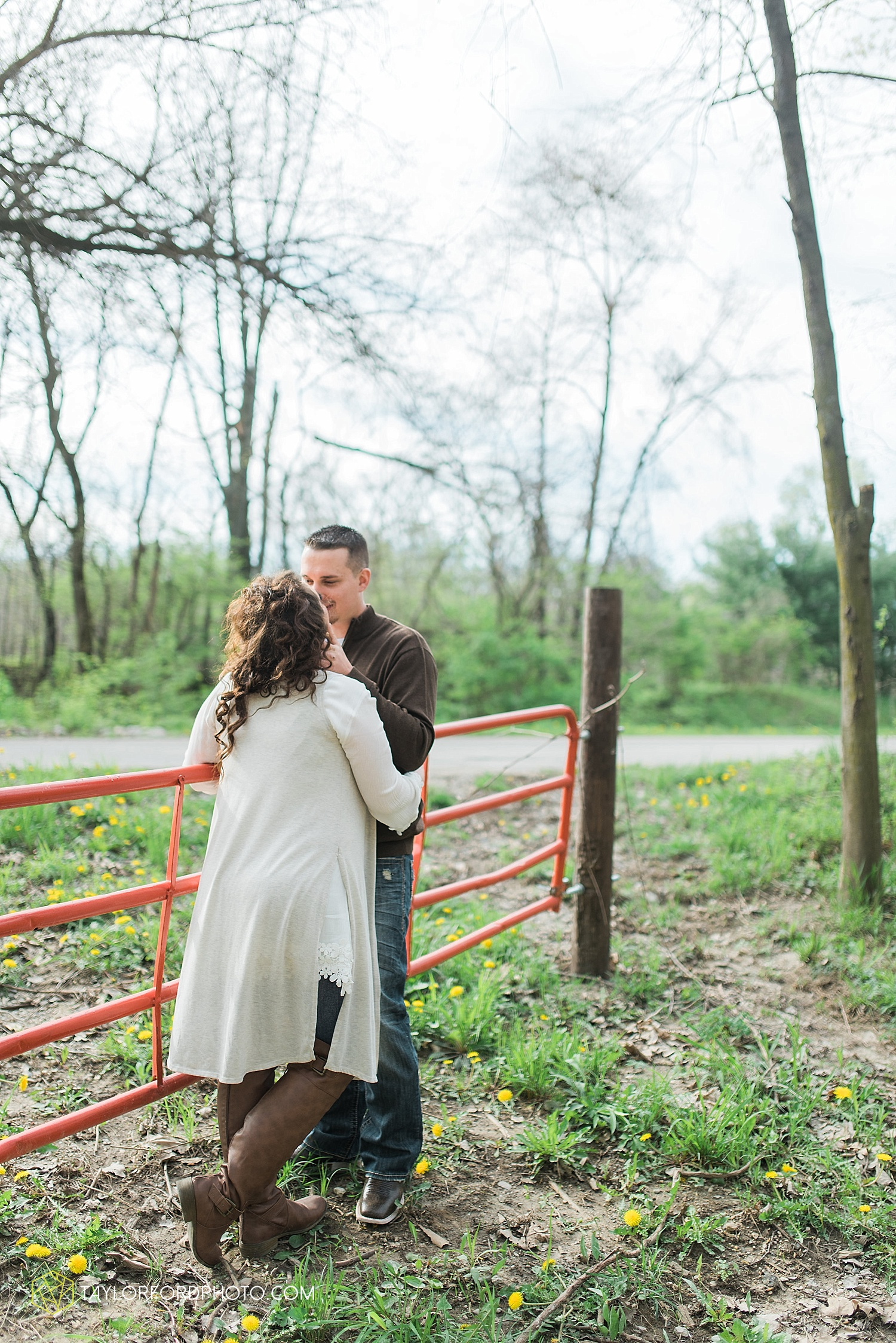 fort-wayne-indiana-engagement-wedding-photographer-taylor-ford-photography_1536.jpg