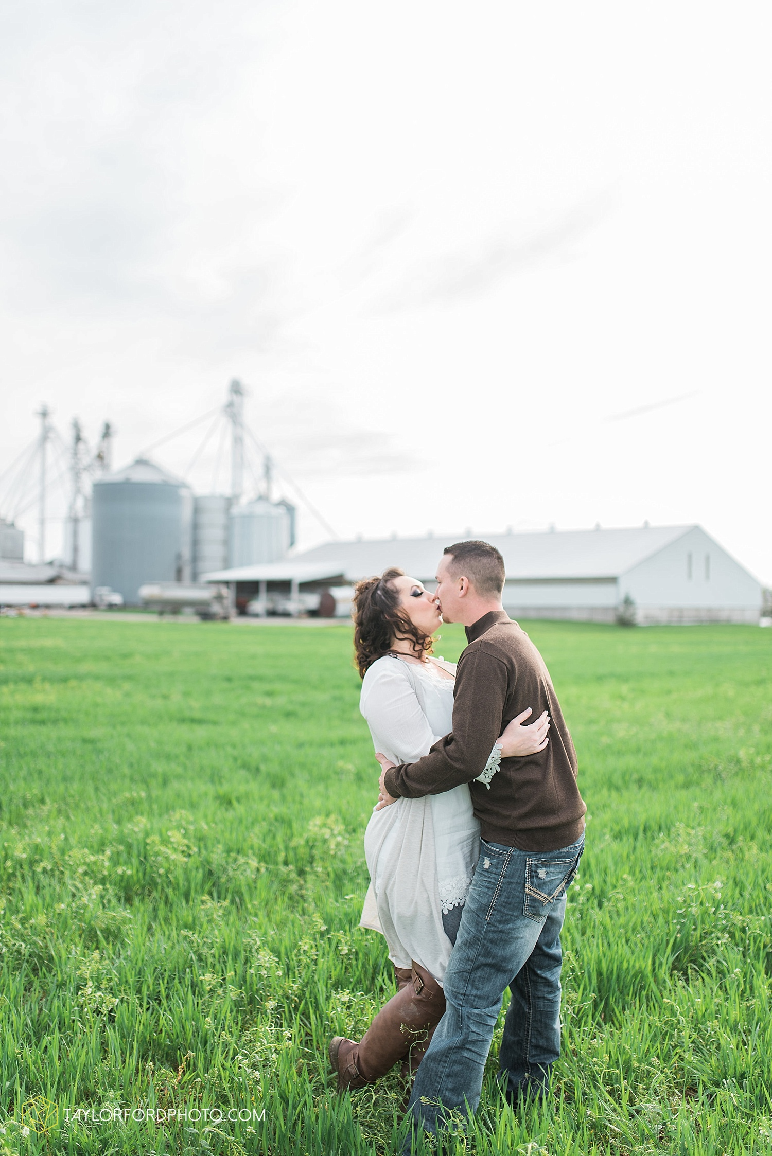 fort-wayne-indiana-engagement-wedding-photographer-taylor-ford-photography_1539.jpg