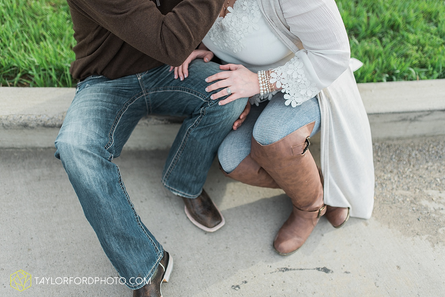 fort-wayne-indiana-engagement-wedding-photographer-taylor-ford-photography_1541.jpg