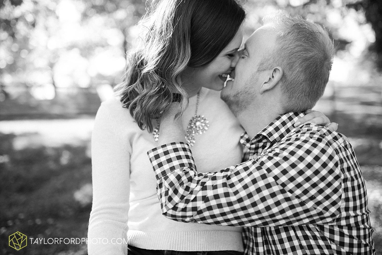 cincinnati-ohio-engagement-wedding-photographer-taylor-ford-photography-over-the-rhine-alms-park_1769.jpg