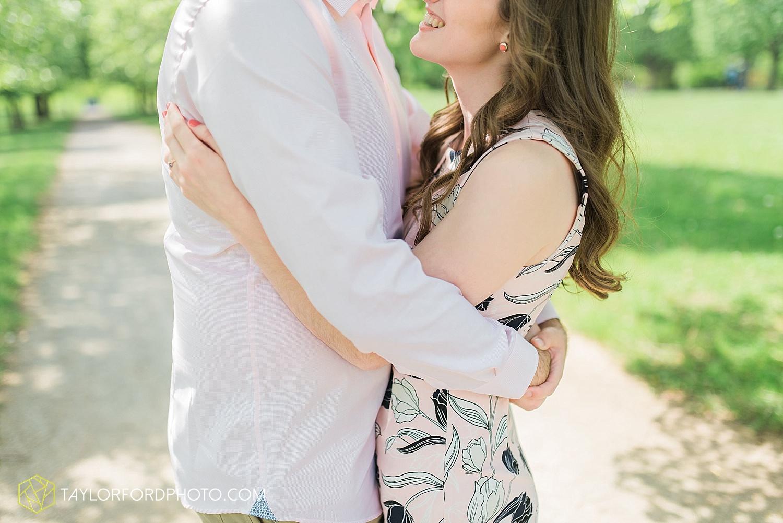 toledo-ohio-engagement-wedding-photographer-taylor-ford-photography-oaks-opening-metro-park-botanical-gardens1.jpg