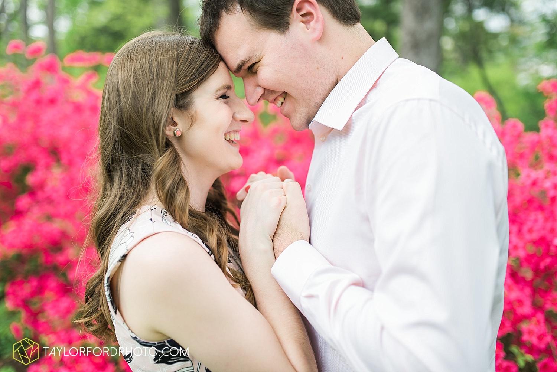 toledo-ohio-engagement-wedding-photographer-taylor-ford-photography-oaks-opening-metro-park-botanical-gardens11.jpg