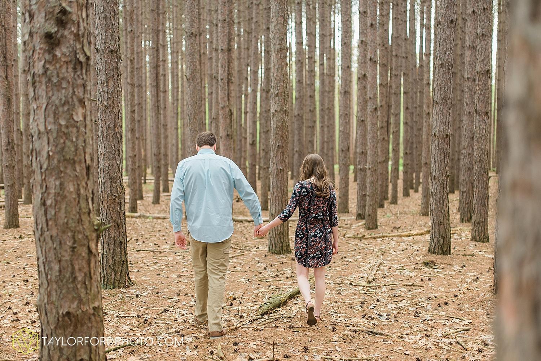 toledo-ohio-engagement-wedding-photographer-taylor-ford-photography-oaks-opening-metro-park-botanical-gardens30.jpg