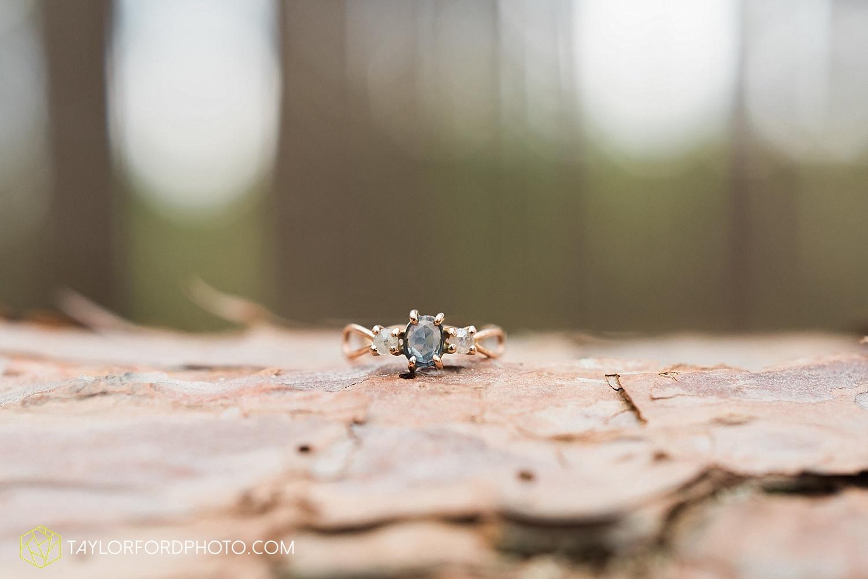 toledo-ohio-engagement-wedding-photographer-taylor-ford-photography-oaks-opening-metro-park-botanical-gardens31.jpg