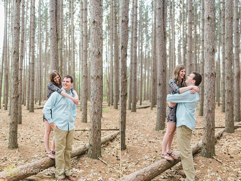 toledo-ohio-engagement-wedding-photographer-taylor-ford-photography-oaks-opening-metro-park-botanical-gardens32.jpg