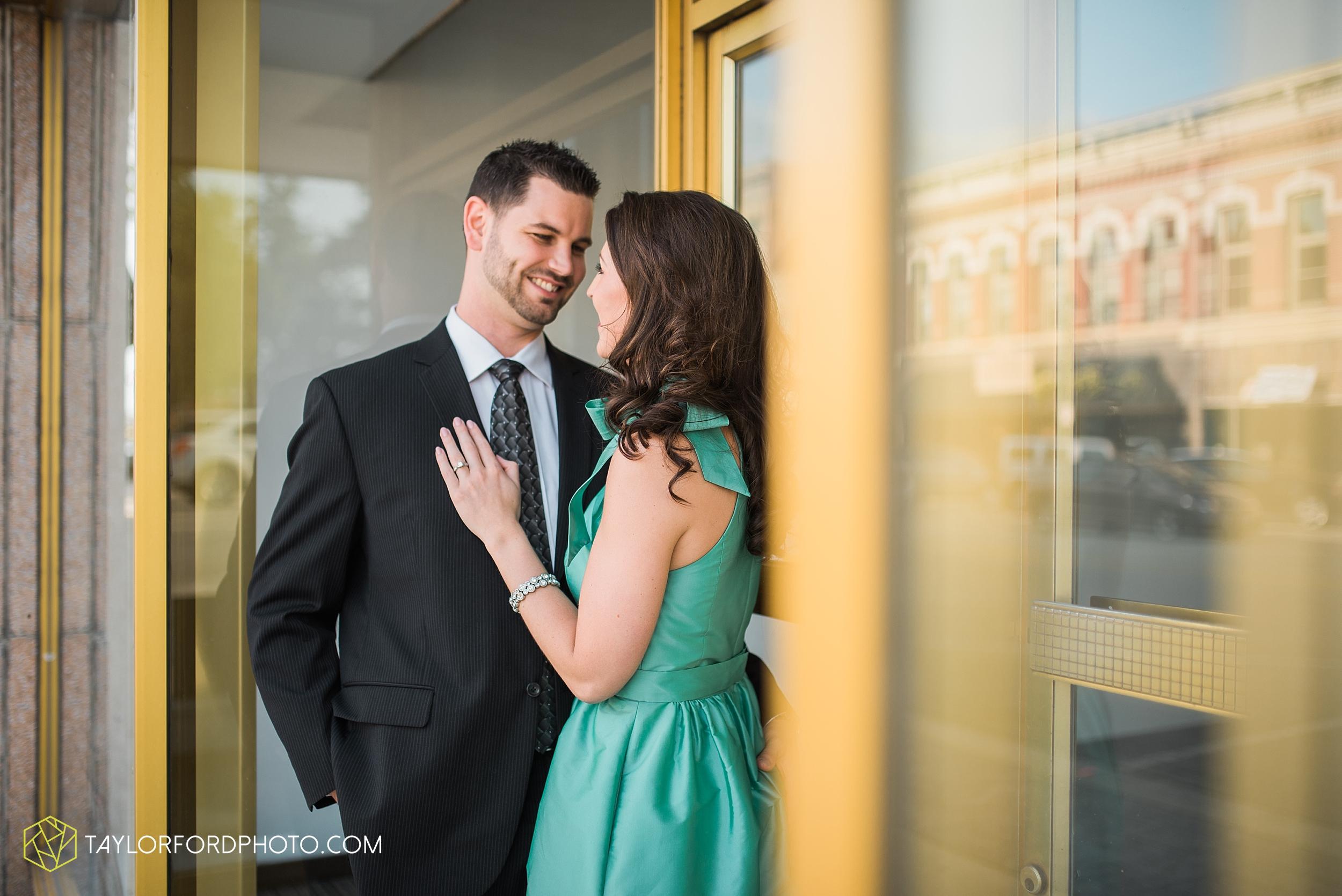 celina-coldwarter-ohio-engagement-wedding-photographer-Taylor-Ford-Photography-Ohio-Indiana_2270.jpg