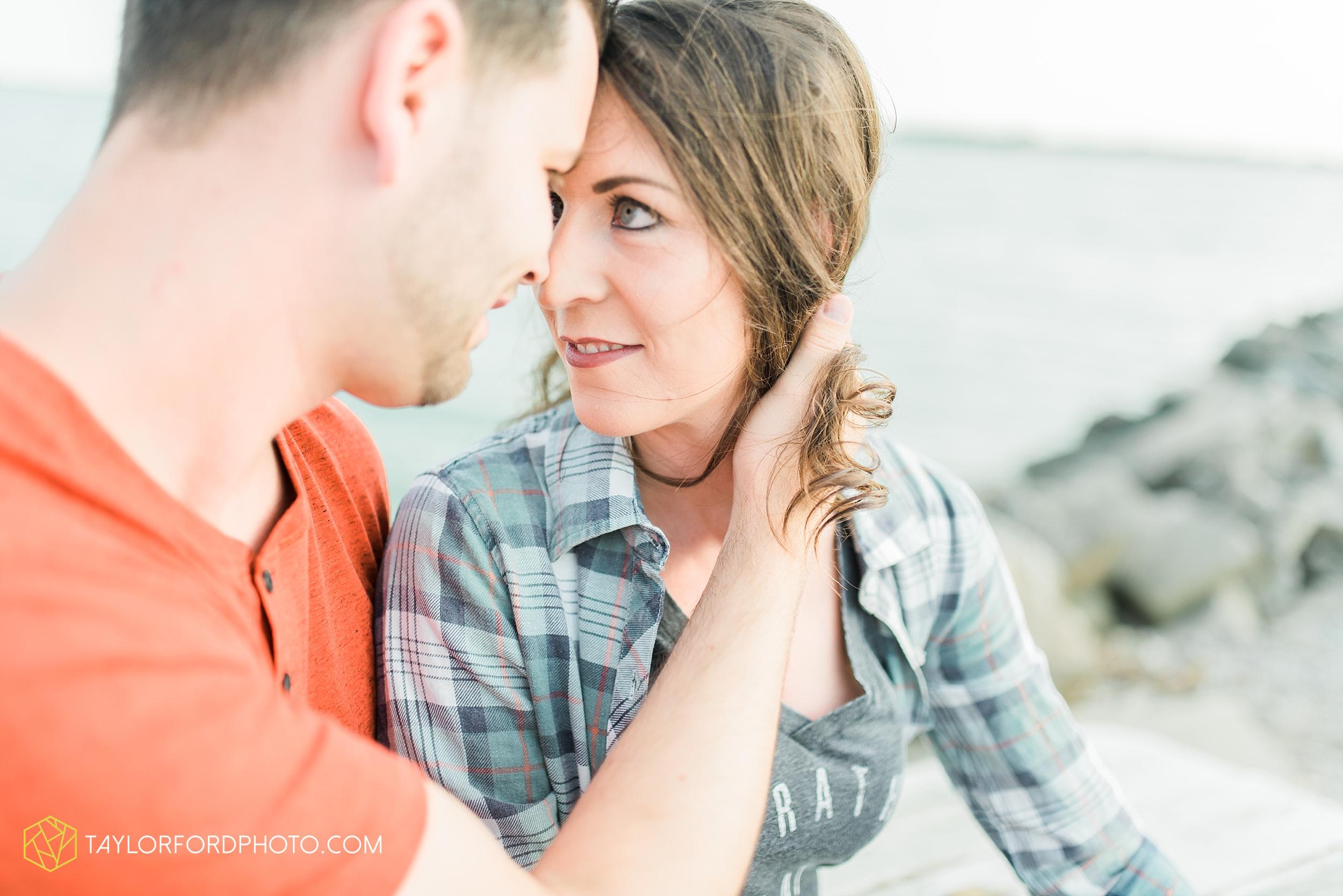 celina-coldwarter-ohio-engagement-wedding-photographer-Taylor-Ford-Photography-Ohio-Indiana_2280.jpg