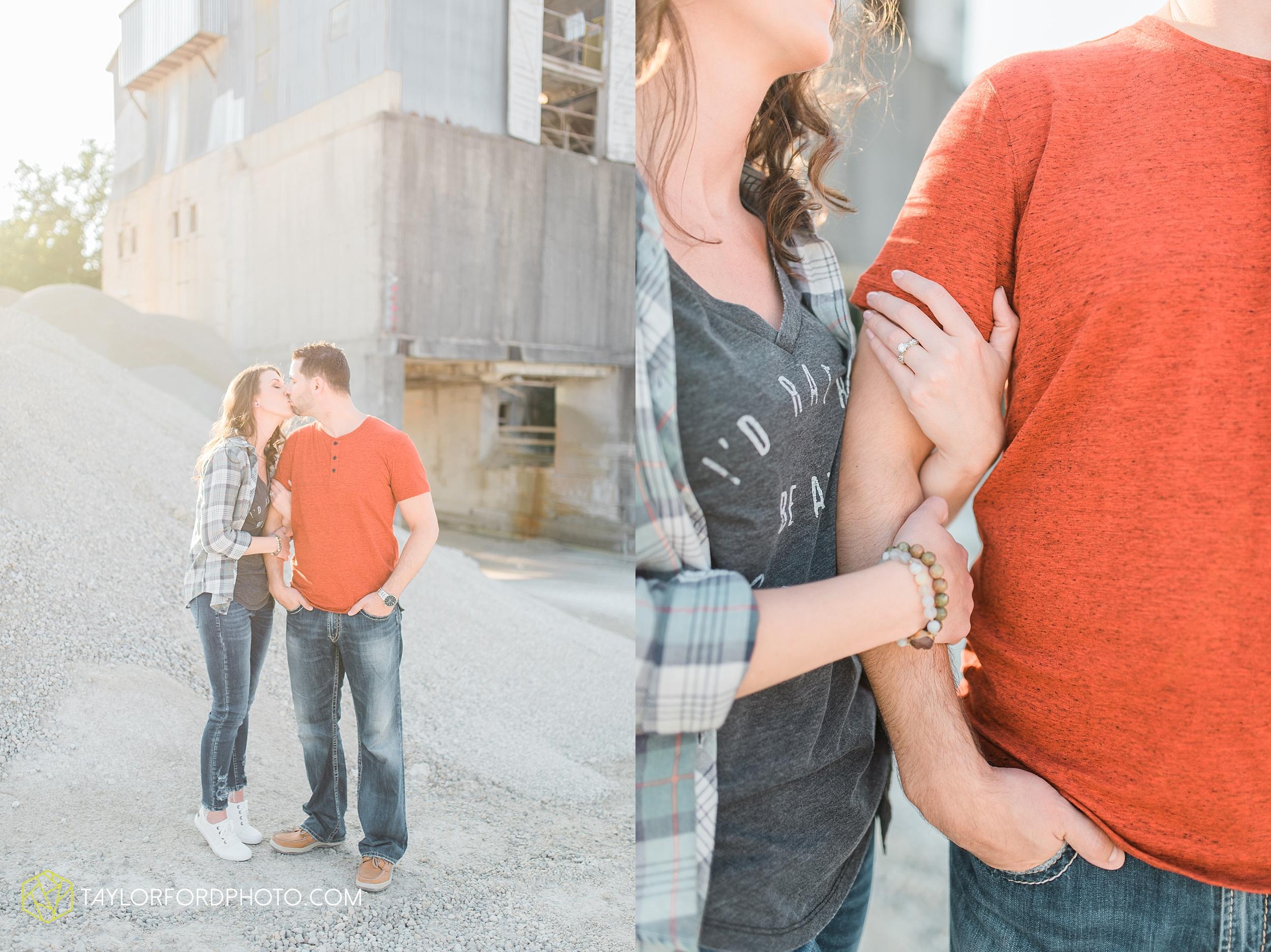 celina-coldwarter-ohio-engagement-wedding-photographer-Taylor-Ford-Photography-Ohio-Indiana_2288.jpg