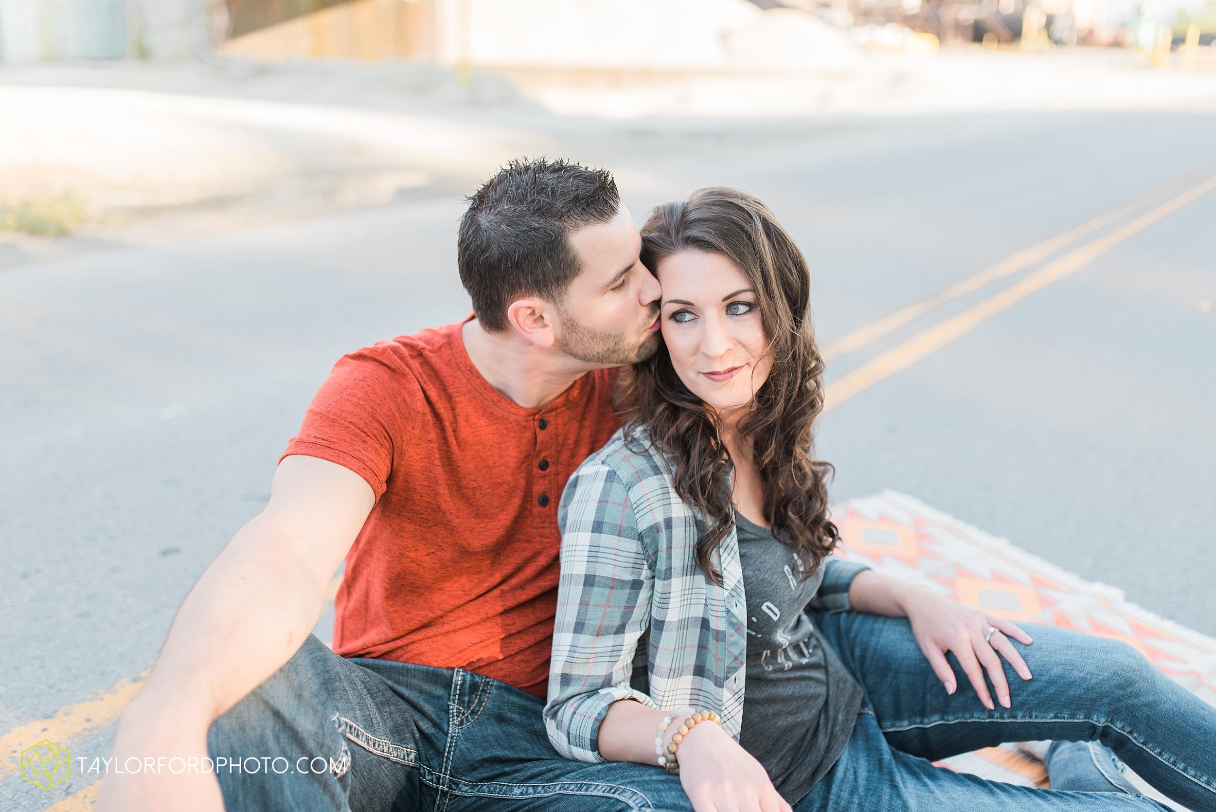 celina-coldwarter-ohio-engagement-wedding-photographer-Taylor-Ford-Photography-Ohio-Indiana_2290.jpg