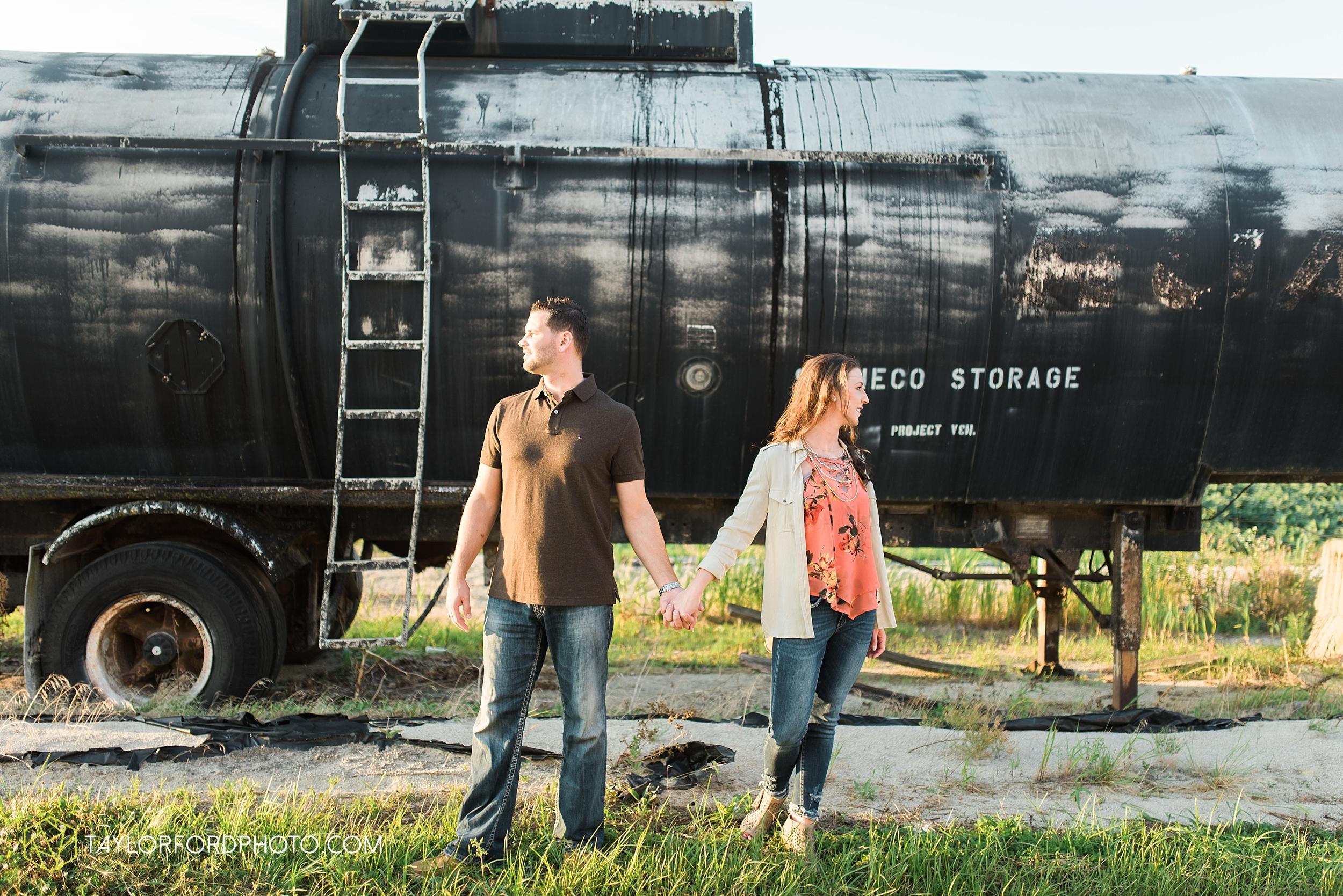 celina-coldwarter-ohio-engagement-wedding-photographer-Taylor-Ford-Photography-Ohio-Indiana_2298.jpg
